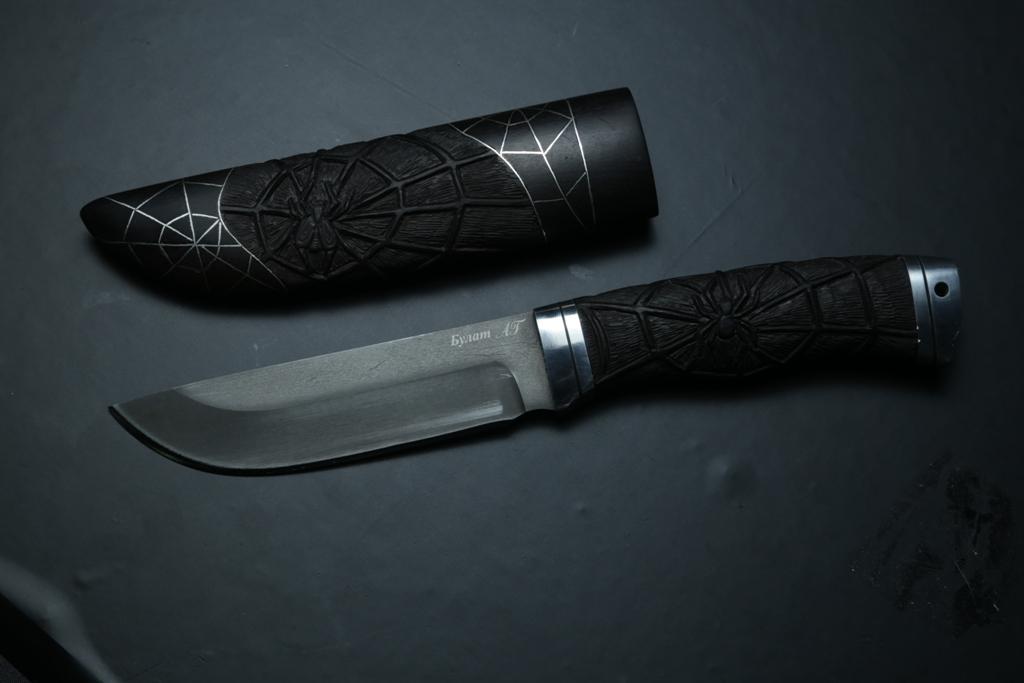 """Нож """"Лиса"""" (Булат, дюраль, стабилизированный граб резной, паук) деревянные ножны"""