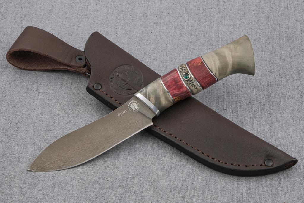 """Нож """"Лань"""" (Булат, стабилизированная карельская береза, резьба, инкрустация камень)"""