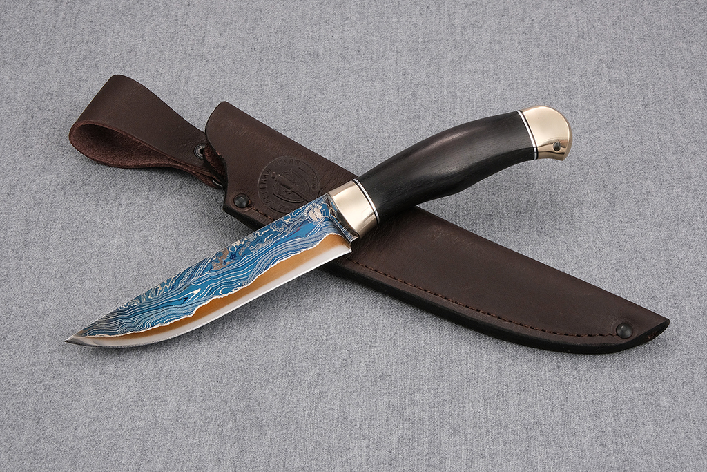 """Нож """"Финский"""" (ламинированная сталь, литье мельхиор, граб)"""