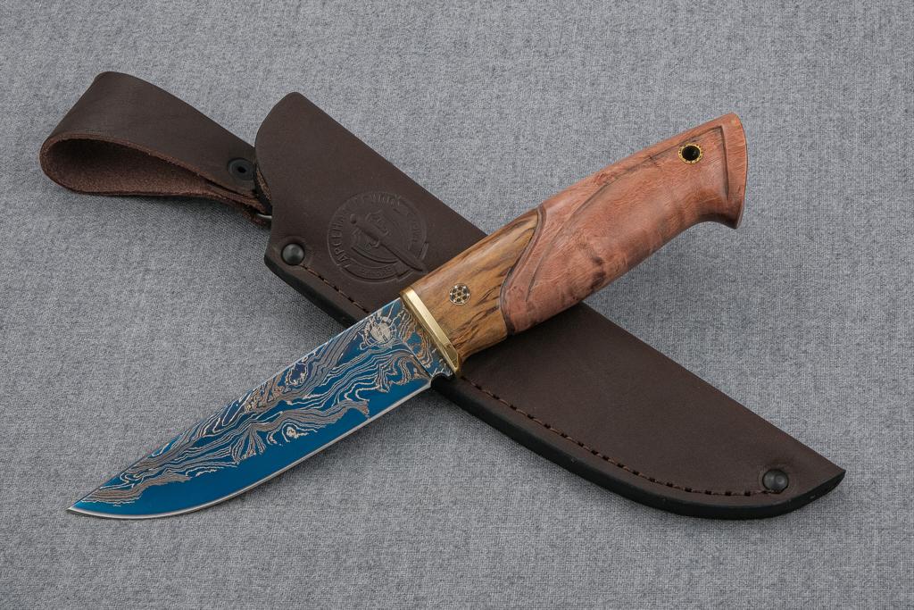 """Нож """"Лиса-2"""" (Ламинированная сталь, стабилизированная карельская береза, резьба, мозаичный пин)"""